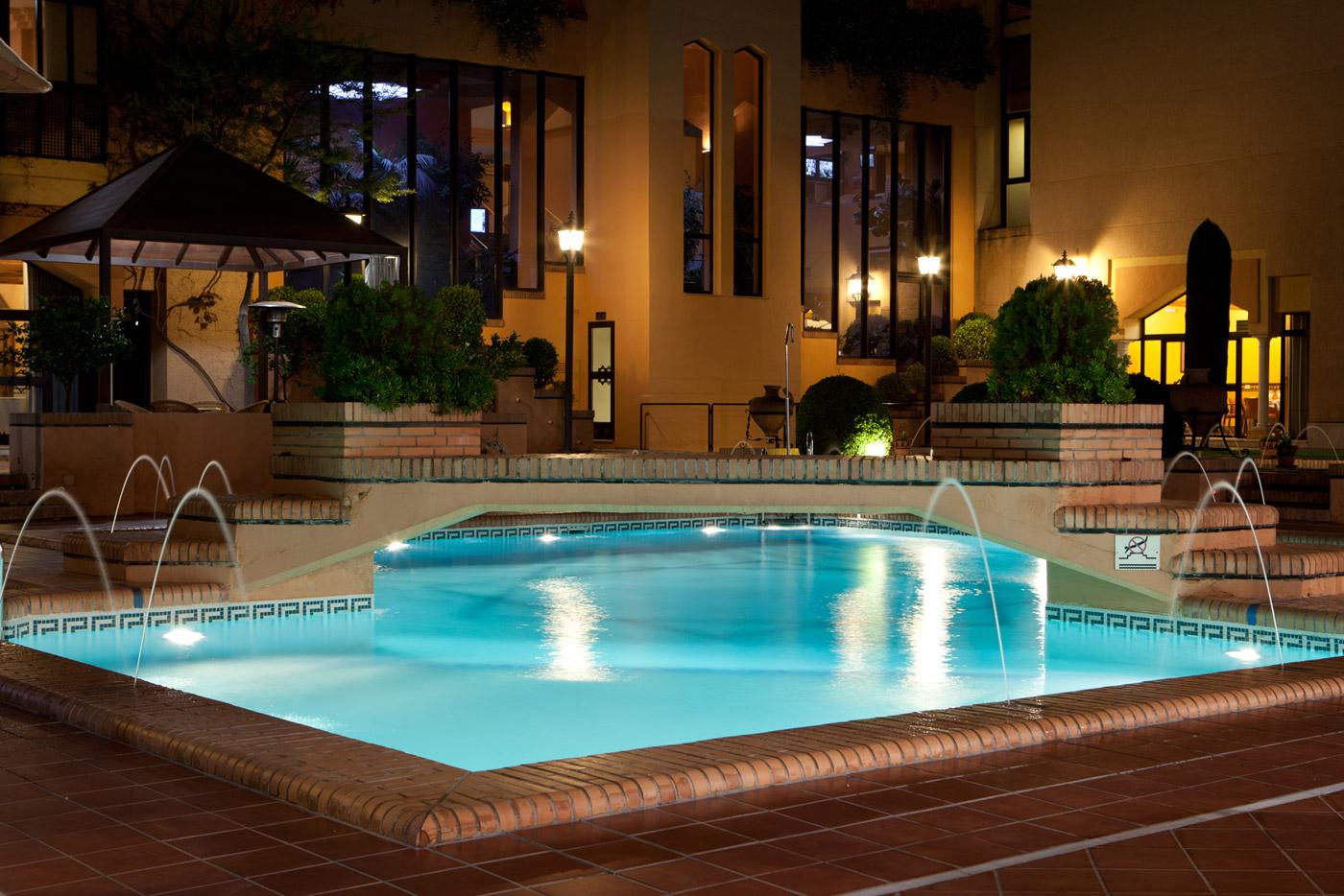 Hotel 4 estrellas con encanto granada hotel santos saray for Hotel de diseno granada